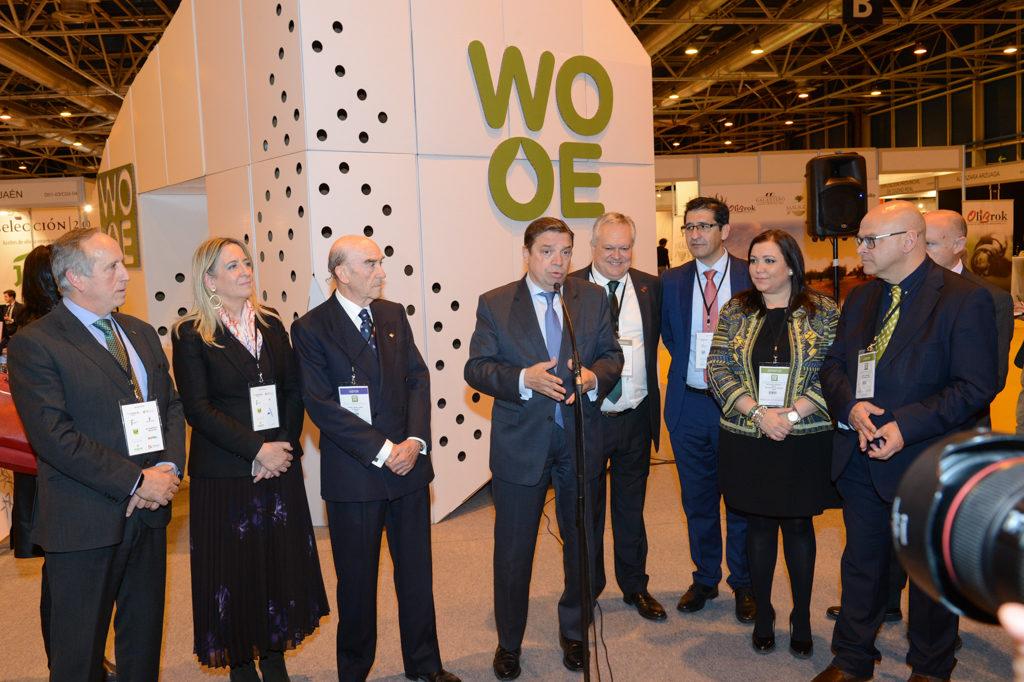 Luis Planas, Ministro de AGricultura, en la World Olive Oil Exhibition